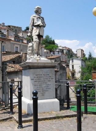 monumento G.B. Falcone-Acri