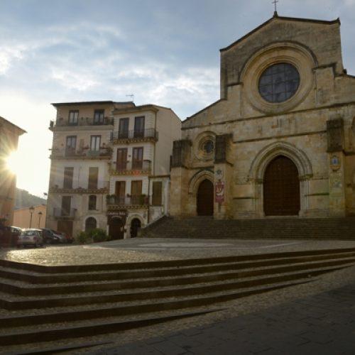 Duomo di Cosenza vicino Acri